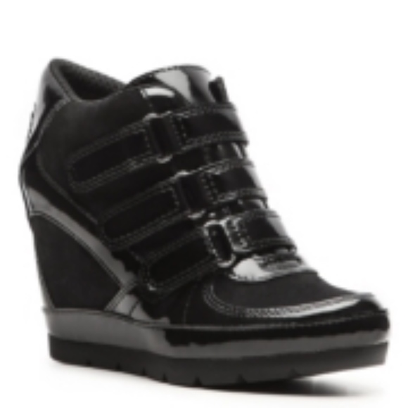 Rocket Dog Shoes   Patent Sneaker Wedge